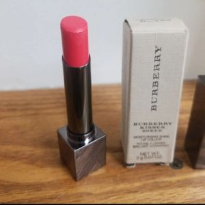 Burberry Makeup - Burberry light crimson lipstick 269